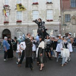 The Salto Parade (source : http://kw.knack.be/west-vlaanderen/nieuws/samenleving/veel-belangstelling-voor-salto/article-normal-189581.html )